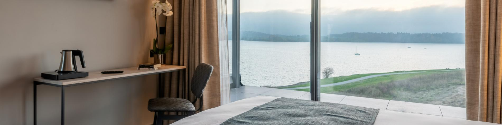 golden lakes Hotel lacs eau d'heure, vue sur les lacs d'une chambre