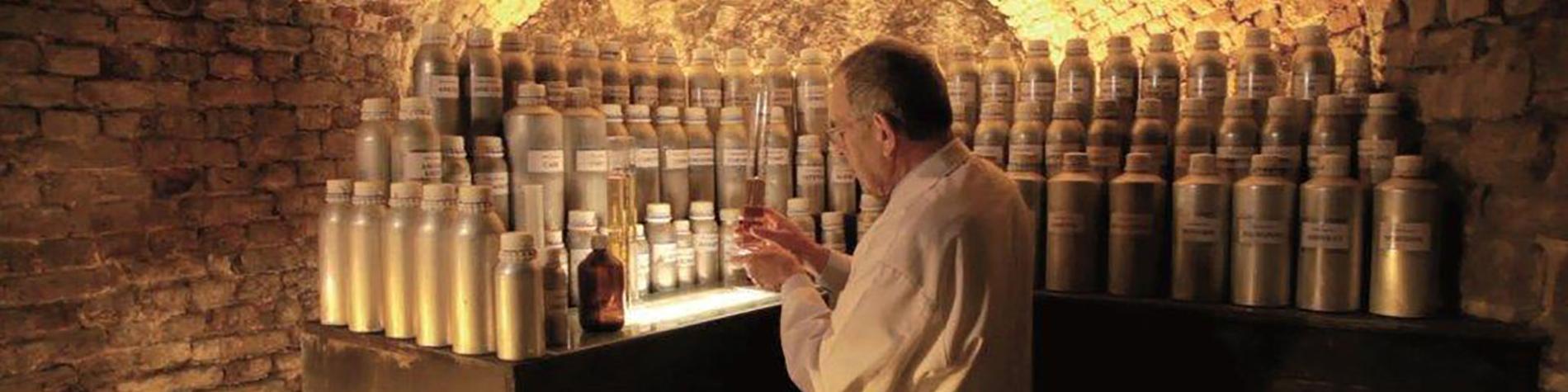 Atelier - Parfumerie - Guy Delforge