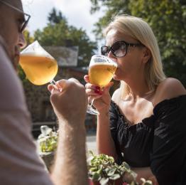 Malmedy - couple - Brasserie Bellevaux - bière