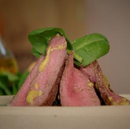 Recette du filet d'autruche épinards et vinaigrette au safran