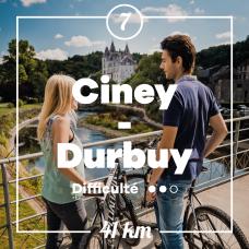 couple à vélo sur un pont