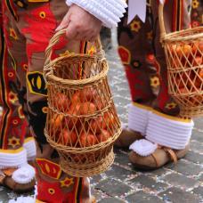 Carnaval de binche - orange